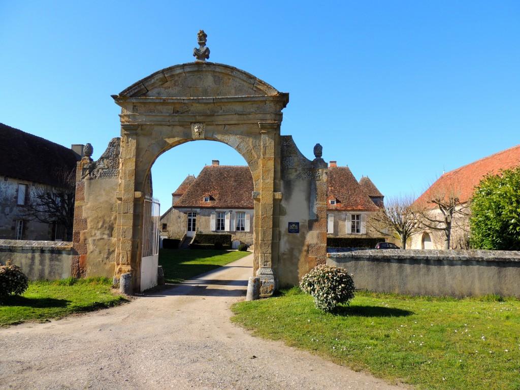Neuvy 6 Château du Vieux-Melay 3