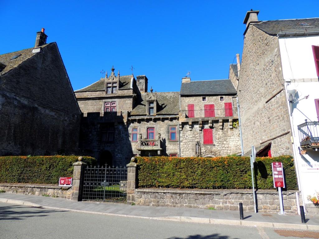 Besse-et-Saint-Anastaise 10