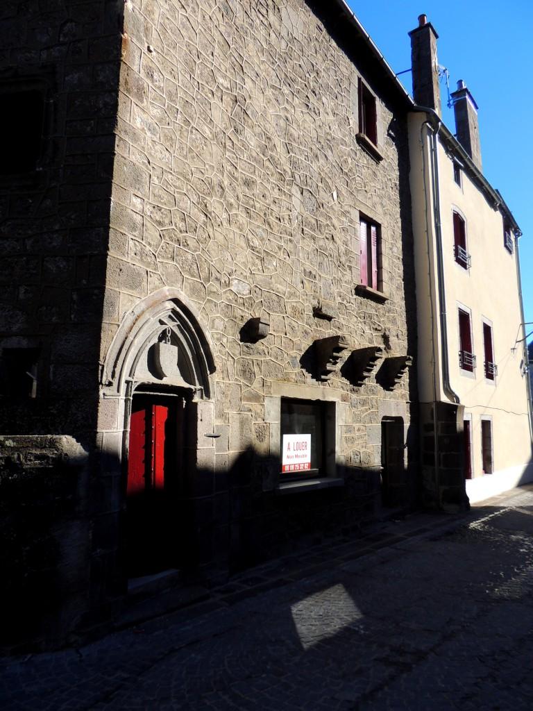 Besse-et-Saint-Anastaise 13