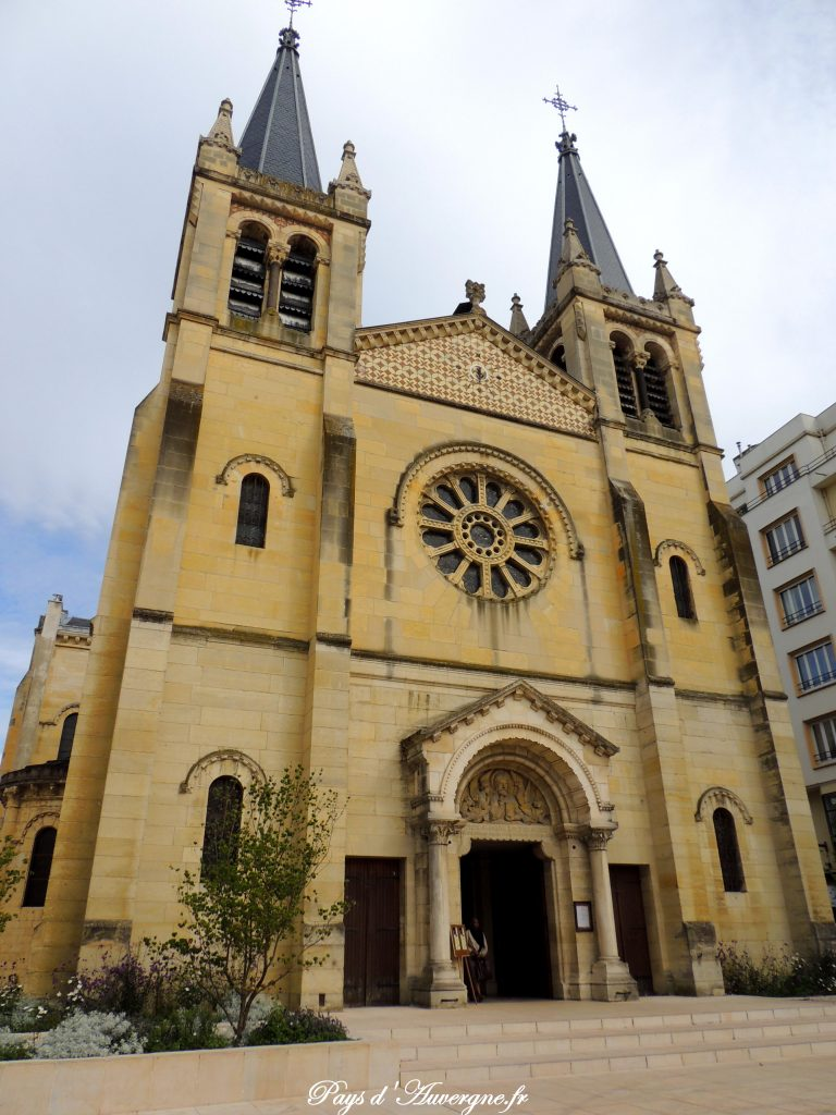 Vichy 33 - Eglise Saint-Louis