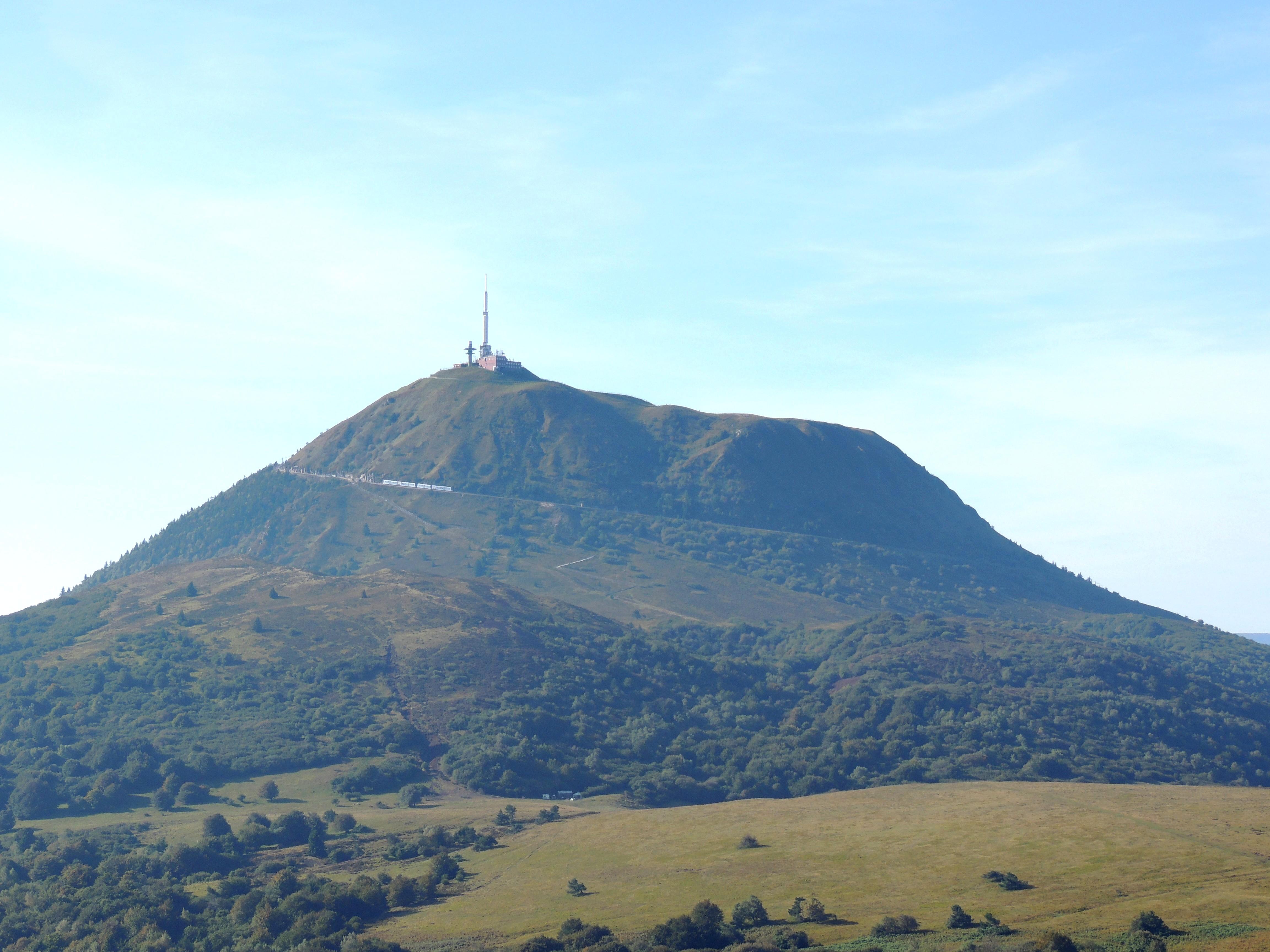 Le Puy-de-Dôme (63) - Au Cœur des Pays d'Auvergne