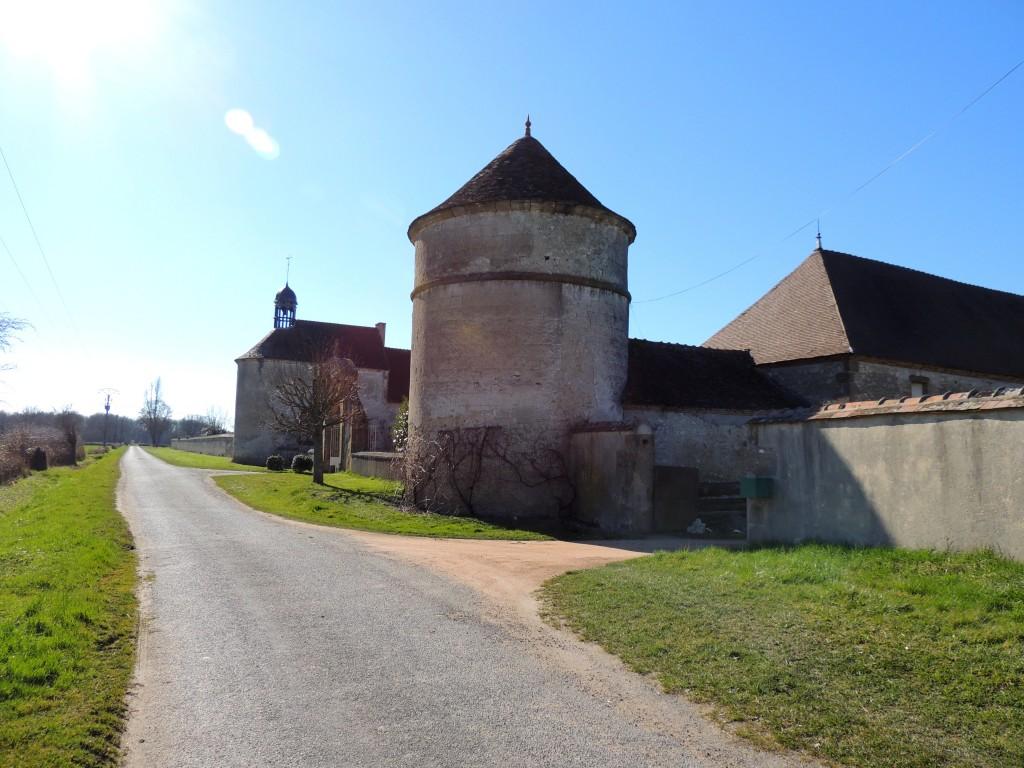 Neuvy 7 Château du Vieux-Melay 1